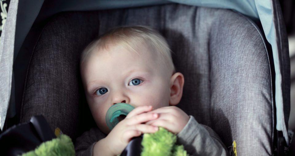 Bambini in auto: seggiolini giusti norme da rispettare